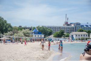 Жилье в Черноморском, гостиницы и отели с бассейном у моря